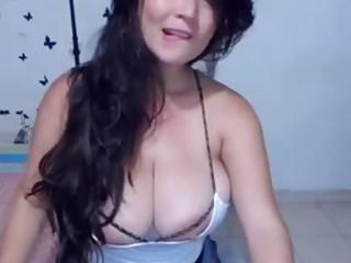 Vanesa huges naked Vanesa huge massive natural webcam boobs tits