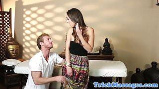 Massage amateur reluctantly sucks her masseur