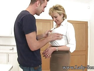 Counter stove gap strips Lady sonia jerks off young stud on kitchen counter