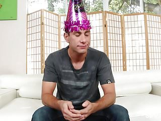 Brad sucks Sarah jessie gives brad a very special birthday surprise