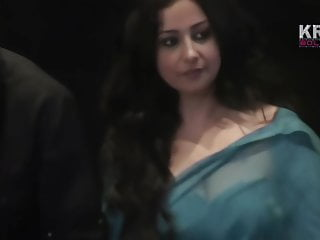 Mature down cleavage - Divya dutta very hot cleavage