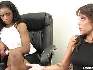 Lesbian sistas black video Sexy black lesbians 69 each other