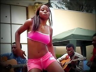 African sex tribal African girl with nice booty in an aggressive tribal twerk