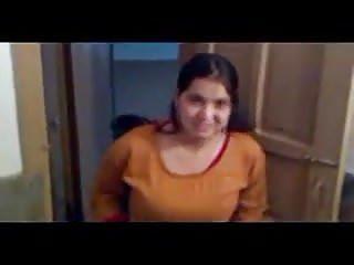 Vidya balan boob show - Desi boob show