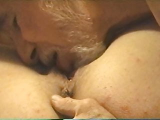 Eating her pussy Eating her pussy and she mons her pleasure