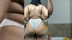 ms l pantyline show off