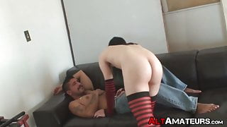 Skinny alt homo sucks cock before being drilled in the ass