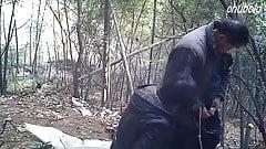 Viejo asiático amigo folla 2 prostitutas al aire libre