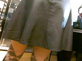 Cuir acier porno - Leather skirt - compil voyeur jupe cuir