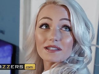 Blakeley shea hooters nude - Nicolette shea alex legend - build a babe - brazzers
