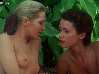 Emmanuelle erotica - Sylvia kristel, jeanne colletin and marika green - emmanuell