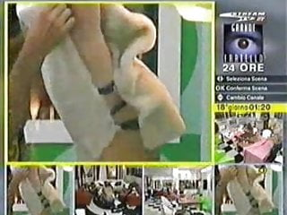 Big brother 9 boobs Italian big brother - grande fratello - mascia ferri boobs out, sorry no audio