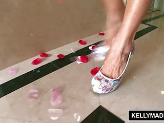 Kelly madison bikini Kelly madison - pink and wet in the bath with toys