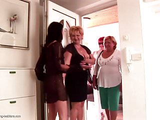Groupie sluts Grannies and moms at pissing groupie love