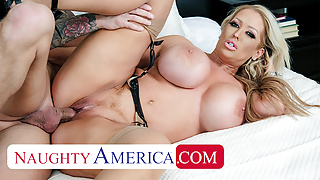 Naughty America - Alura Jenson gives Quinton the best fuck