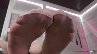 Mistress feet and toes in tights