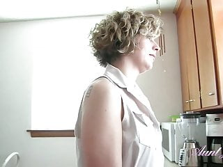 Gay northwest mass - 38yo northwest milf tess cleans the kitchen