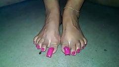 Pretty veins feet and toenails