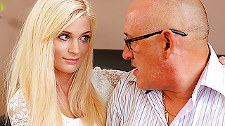 DADDY4K. Old businessman couldn't say no to son's gorgeous..