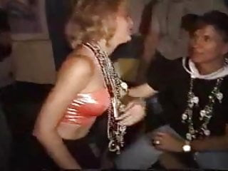 Girl giving lap dance video sexy - Mardi gras flasher giving a lap dance