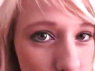 Finger fuck wet - Blonde babe finger fuck her wet cunt