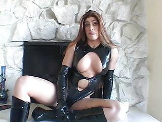 Adult free image ware Sexy hottie displays her wares