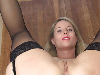 Close pissing tgp up Milf pissing on herself