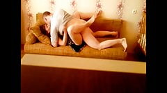 Je baise ma maitresse sur le canape du salon