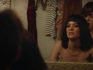 Lindsay shaw in bikini Frankie shaw - smilf s01e10