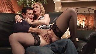 Nina Hartley in Nina Loves Ron