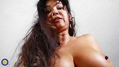 Mature American mother with big tits and pussy