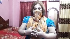 Hot, unsatisfied Indian Desi aunty Didi is horny and talks about sex
