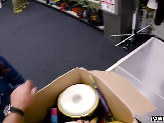 Chicks n boobs xxx - Desperate chick fucks for money - xxx pawn