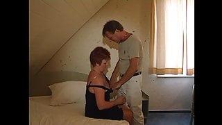 Stiefsohn besorgt es seiner Mutter