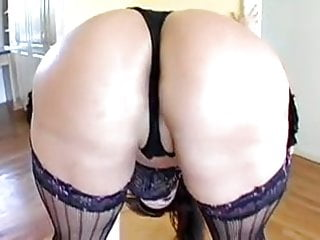 Sexy latin moms - Sexy latin milf has a great ass for anal