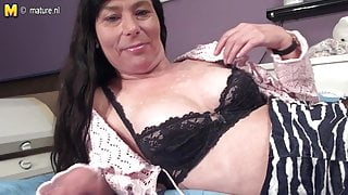 Amateur skinny step mom work her hairy pussy