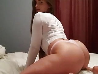 Ass shaking sluts Pawg slut shaking ass