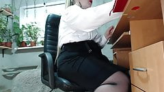 Secretary's secret (butt plug and masturbation at work)