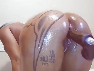 Fuck machine squirt - Crazy squirting ebony slut on fuck machine