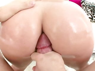Big oiled ass ebony - Big oiled ass britney amber gets banged