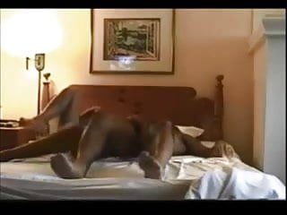 Real wife orgasm videos - Curvy wife orgasm on real homemade