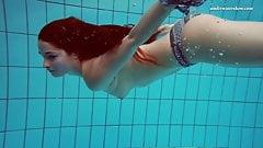 Liza Bubarek babe in the pool