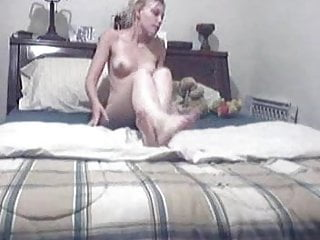 Friends breasts sex lift Cute blonde lets her toy do all the heavy lifting