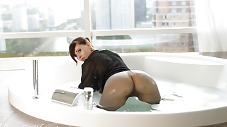 Jeny Smith in wet pantyhose on her naked body