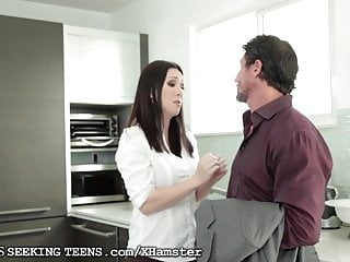 Arrived has hd porn - Ashley adams and horny milf await his arrival