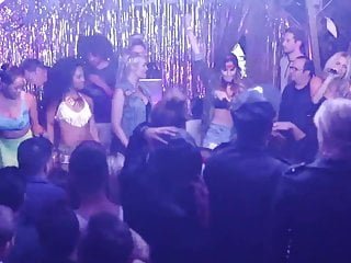 Vanessa anne hudgens naked picture - Vanessa hudgens - bootsy bellows concert