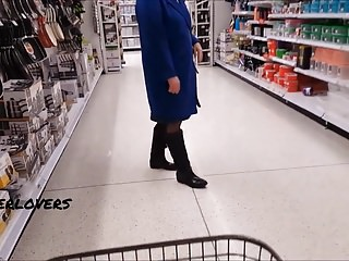 Pantyhose shopping for man in montreal - No knickers flashing in shop