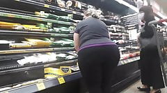 BBW PAWG granny with mega juicy booty in tights Pt 5