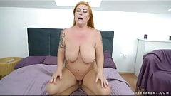 Tammy Jean like to masturb in front of young Boys