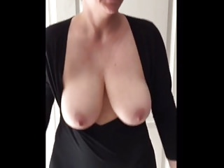 Huge mature swinging tits tube - Swinging tits
